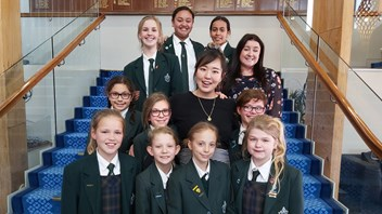 Graci Kim with Marsden students and Fiona Crawford, Director Future Focused Learning & Innovation