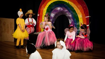 Year 1 perform 'The Little Red Hen'